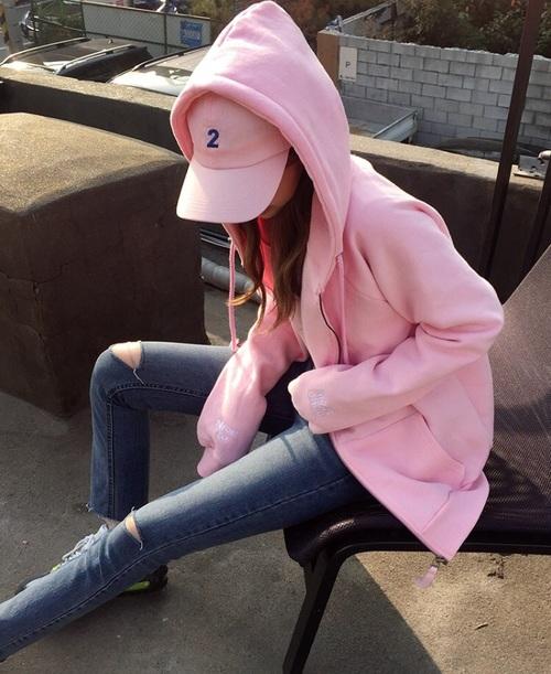 ピンクパーカー