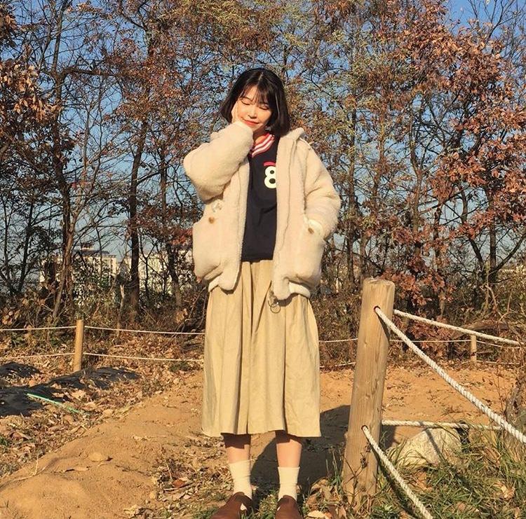秋 韓国女子