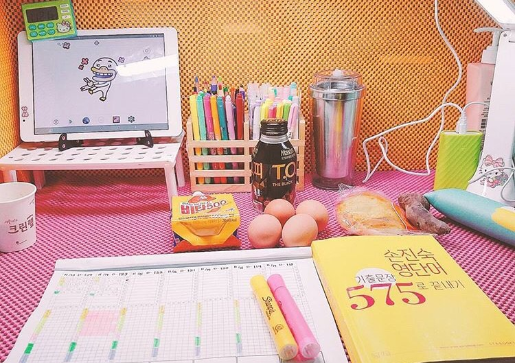 韓国勉強机の作り方インスタで話題のかわいいオルチャン部屋アレンジ例