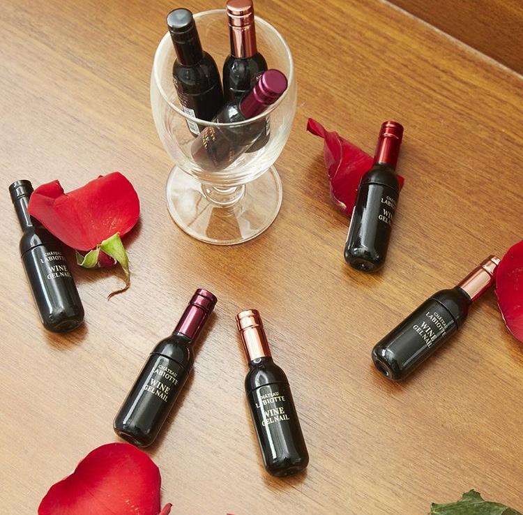 ワインの形をしたボトル