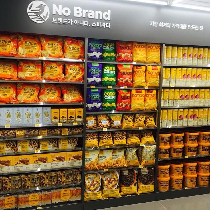 No brand お菓子売り場