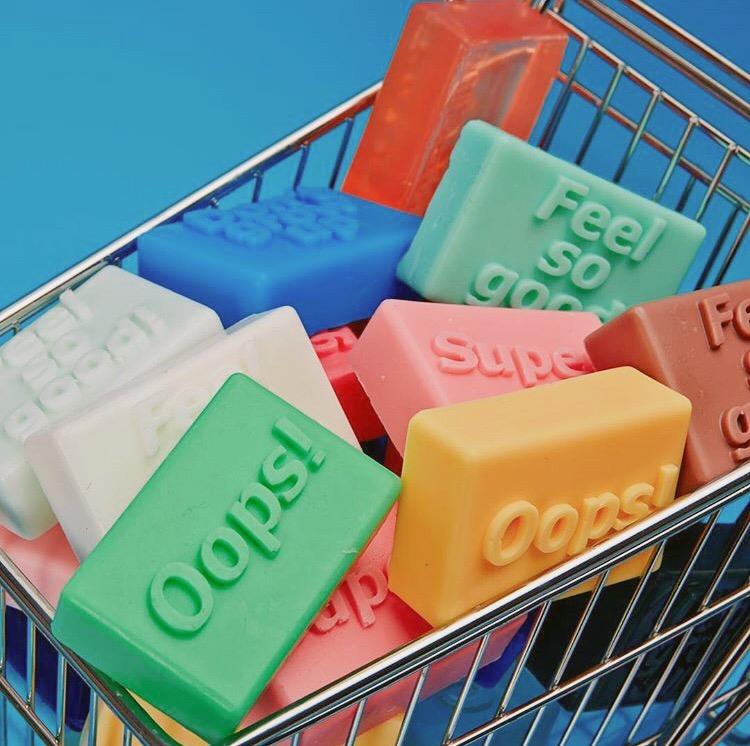 カラフルな石鹸たち